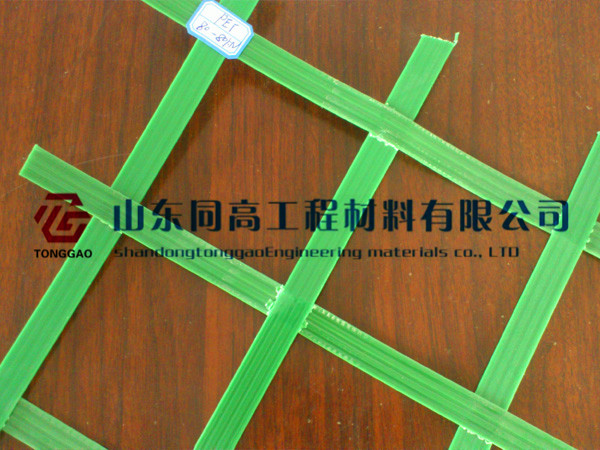 PET聚酯焊接土工格栅,聚酯PET焊接双向土工格栅